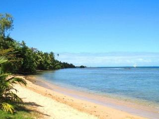 Fare Haapiti beachfront bungalows - NEW LISTING!!