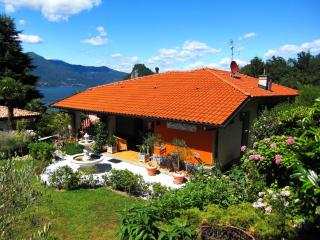 LAKE MAGGIORE - House with delightful garden, Castello d'Agogna