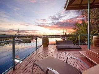 WATERFRONT 4BRM HOUSE CULLEN BAY DARWIN