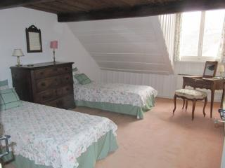 Hauterive - Room with bathroom, Saint-Blaise
