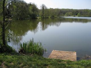 Fishing lakes less than 5 minutes walk £6/day to fish.