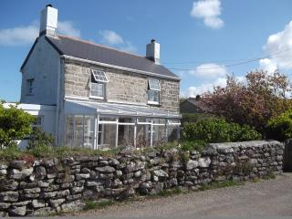 Pentrew, granite cottage sleeps 4, dogs welcome, St Just