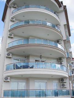 5 Floors - 10 Apartments