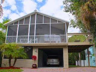 Beautiful Island Style 2BR Stilt Home in Naples - The Best of 'Old Florida'!