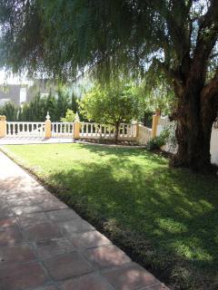 Villa Alegria, Garden