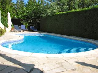 Beautiful Villa, Sleeps 10 with Swimming Pool, Close to St Tropez and Grimaud