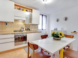 Venice Apartment  Al Teatro in San Marco near to Accademia and shopping boutiques, Venecia