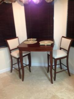 Eat in kitchen Breakfast Table and chairs