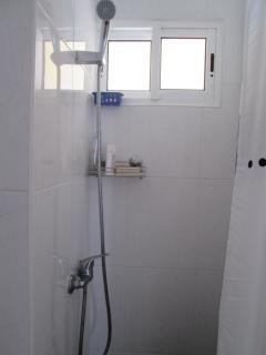 casa de banho com duche e poliban