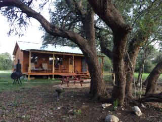 Four Sisters Ranch Cabin- 200 private acres!