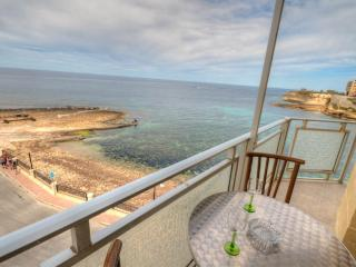 Merbha Seafront Apartment, Marsalforn