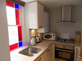 Contemporary & Well Equipped Kitchen with Dishwasher & Washer/Dryer