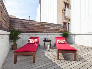 Gràcia Penthouse with Terrace and Swimming Pool for 8