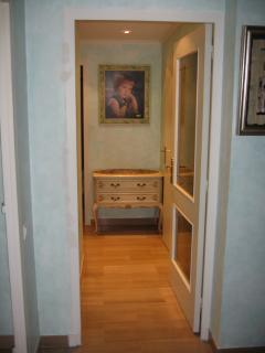 Separation door to bedroom area