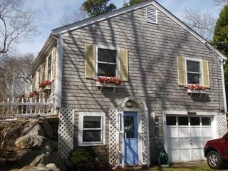 Great Location just 2/10ths of a mile to Private Beach!, Brewster