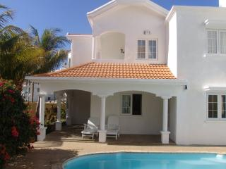 Holiday Pool  Beach Villa with free Internet, Flic En Flac