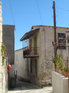 A typical house in the village of Choirokoitia