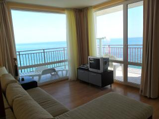 Stunning 5th Floor Apartment, Sveti Vlas