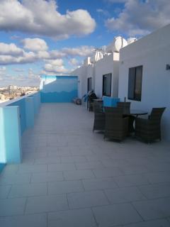 veranda with 60x14 ft terrace