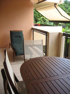 Large front balcony with lounger