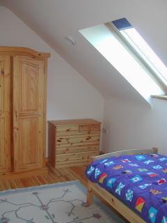 Children's Bedroom with one single Bed