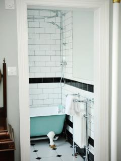 One of the en-suite bathrooms
