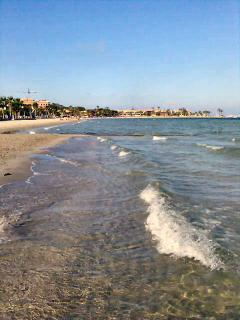 Long stretches of shallow warm waters at Mar Menor