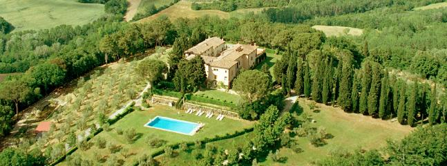 Castello di Pastine - surrounded by nature