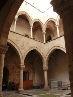 surroundings: the cloister of Palazzo Steri in Piazza Marina