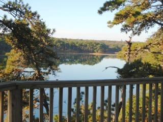 Pond Front with gorgeous views!, Chatham