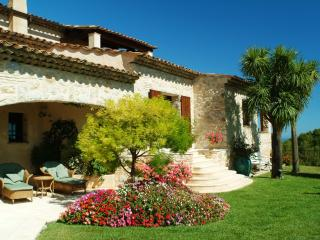 Master Apartment in Lux-Villa, Sea View terrace, Pool, Tennis, 2-4 persons
