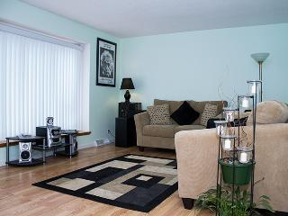 Quiet 3BR Holland House - Near Holland State Park & Tunnel Park (Lake Michigan Beaches) *Remodeled