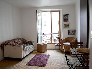 parisbeapartofit - Studio Rue Paul Albert (1326)