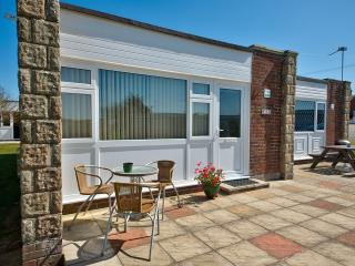Sunnywight Holiday Bungalows, Freshwater