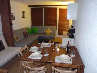 Alpe D'Huez Modern, Great View. Sleeps 5 +1, L'Alpe-d'Huez