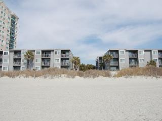 2bd/2ba comfortably furnished condo in an oceanfront three story building, North Myrtle Beach