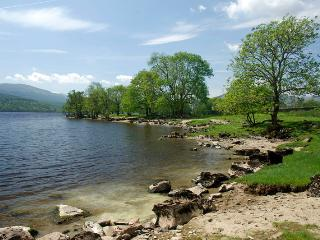 Loch side - a 10 minute stroll down from the house, ideal for paddling, fishing, picnics!