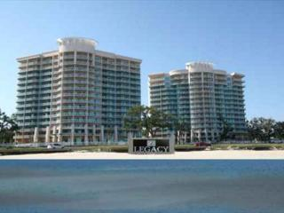 Beautiful 3/3 Corner Unit with Ocean View - Reserved Parking, Gulfport