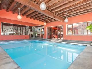Villa Haria with Private Indoor Pool, Hembert