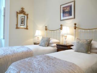 The twin bedroom that can also be a super king