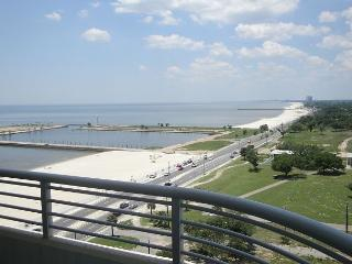 Beautiful 2 bedroom / 2 bath condo with view of Gulf., Biloxi