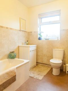 Lovely light bathroom in calming colours
