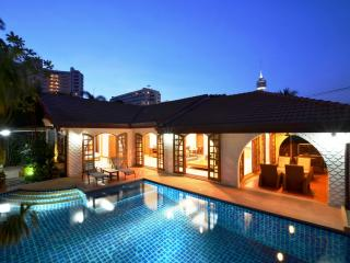 Grand condo Lotus pool villa, Pattaya