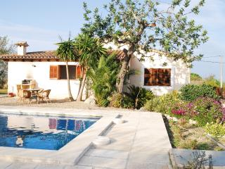 Villa Juana, quiet and peaceful, 2 bedrooms, Port de Pollenca