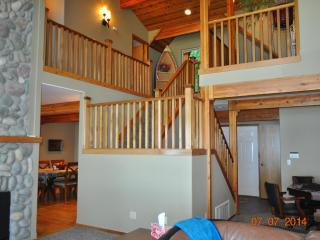 Hood Canal Waterfront Executive Lodge Home