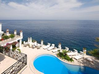 9 bedroom Villa in Punta Caruso, Ischia, Amalfi Coast, Italy : ref 2230213