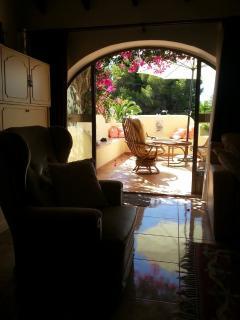 salon to terrace