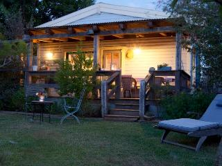 Sea Wind in Mikhmoret/rent both cabins for 7-12 pl