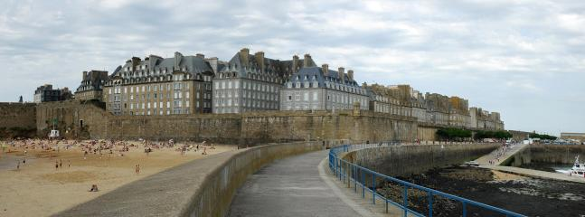 St Malo-walk the ramparts for fabulous views