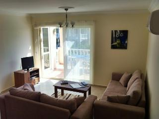 Book Instantly! 2 BR Apartment Sleeps 4, Gulluk
